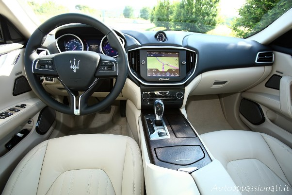 Maserati Ghibli interni
