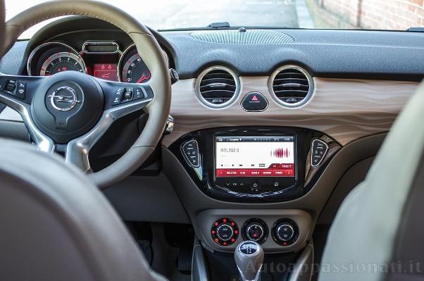 Opel Adam Interni image jpg