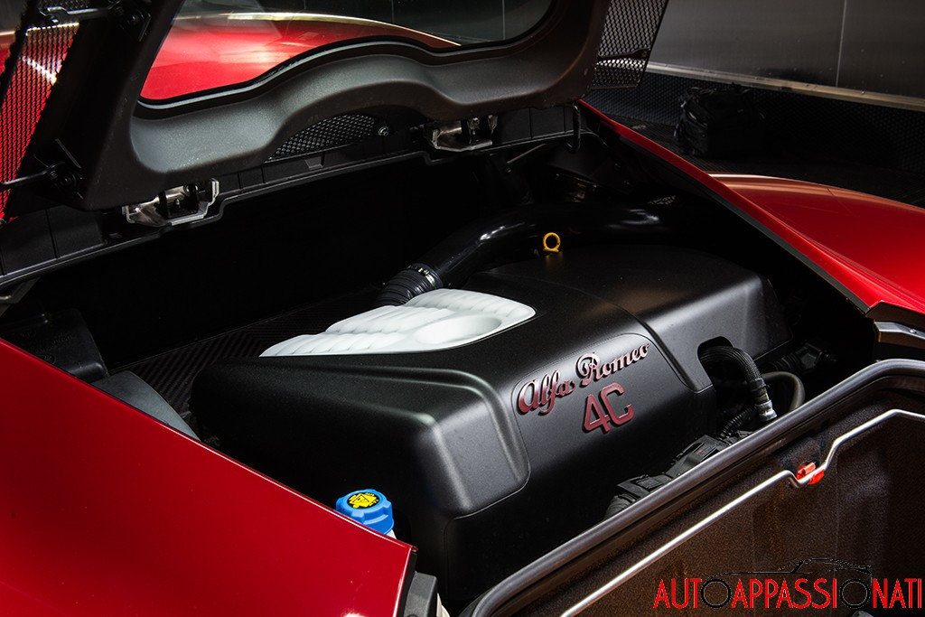 Alfa Romeo 4C Engine