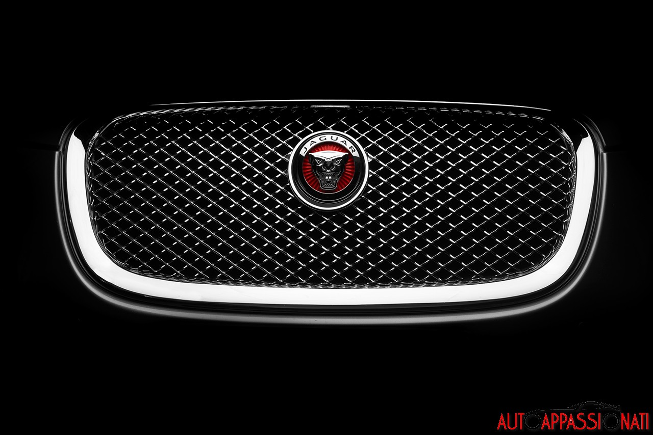 Jaguar XF 2.2D  2014 22