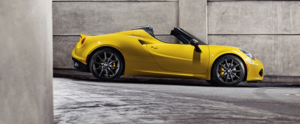 150112 Alfa-Romeo 4C-Spider-US-version 02