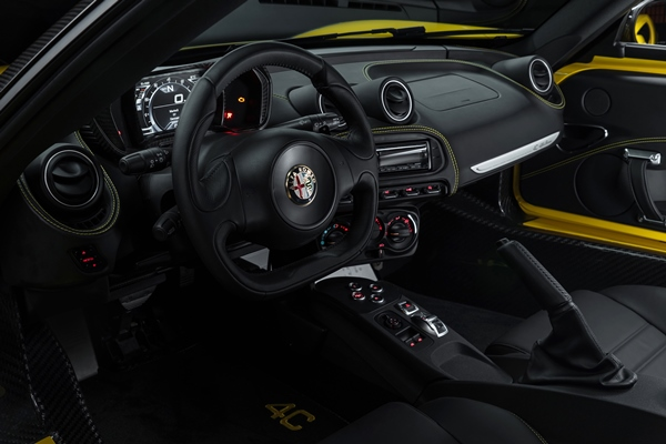 150112 Alfa-Romeo 4C-Spider-US-version 25