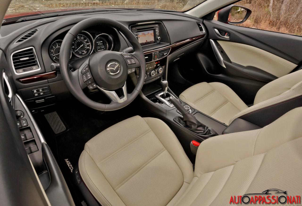 Mazda 6 - Interni