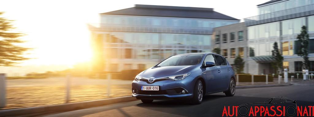 new Toyota Auris hybrid 2015