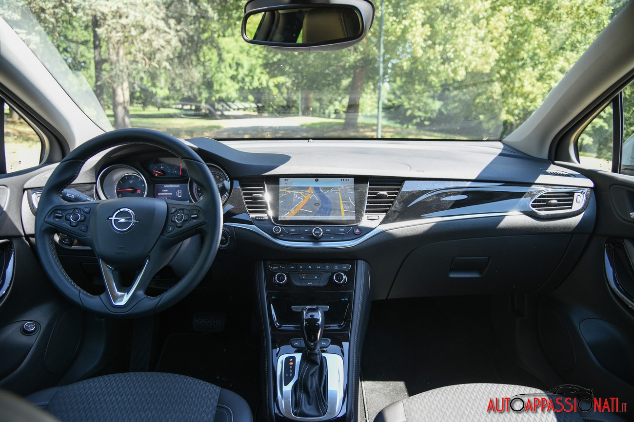 Opel Astra ST 14