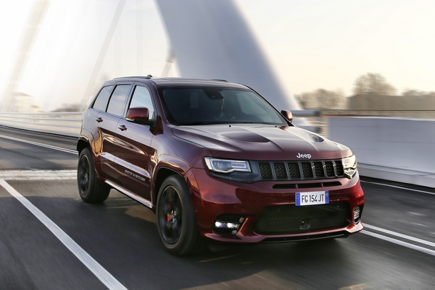 Jeep Grand Cherokee SRT 01
