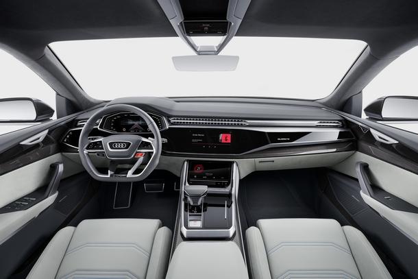 Audi Q8 Interni