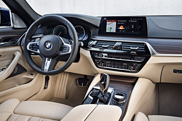 BMW Serie5 Touring interni