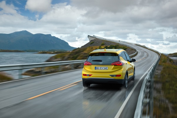 Opel Ampera e 303295 1
