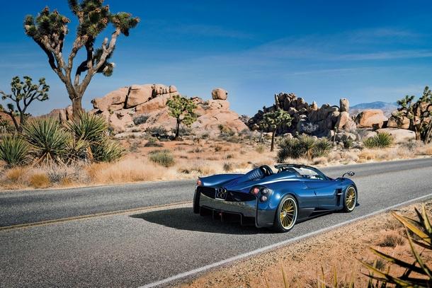 Pagani Huayra Roadster 20