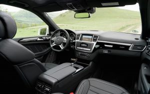2013-Mercedes-Benz-GL63-AMG-dash