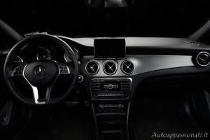Interni Mercedes CLA