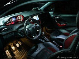 Peugeot 208 GTi Interni Volante