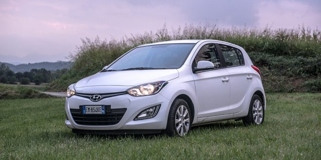 test hyundai i20 sound edition. Black Bedroom Furniture Sets. Home Design Ideas