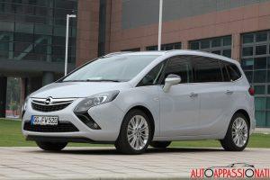 Opel Zafira Tourer 02