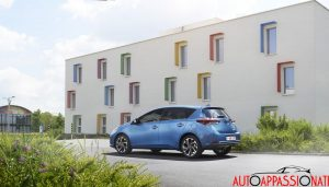 new Toyota Auris hybrid 001