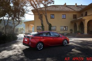 Nuova_Toyota_Prius_2016_002