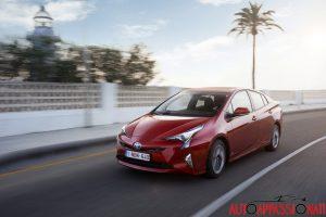 Nuova_Toyota_Prius_2016_015