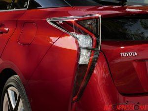Nuova_Toyota_Prius_2016_097