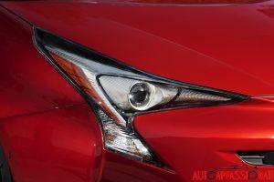 Nuova_Toyota_Prius_2016_101
