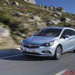 Opel_Astra_sports_tourer_2016_010