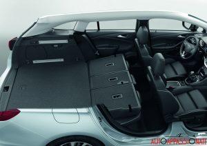 Opel_Astra_sports_tourer_2016_015