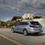 Opel_Astra_sports_tourer_2016_042