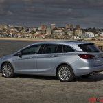 Opel_Astra_sports_tourer_2016_047