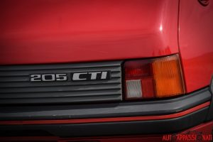 Peugeot_205_CTI_025