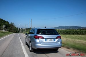 Opel_Astra_ST_04