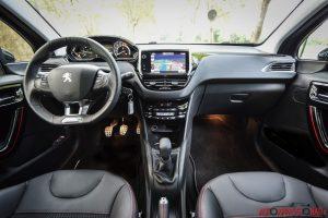 Peugeot 208 GTLine04