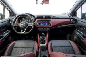 Nissan Nuova Micra interni