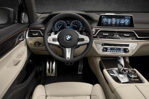 BMW 740Li interni