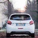 Peugeot_208GTi_09