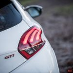 Peugeot_208GTi_10