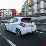 Peugeot_208GTi_17