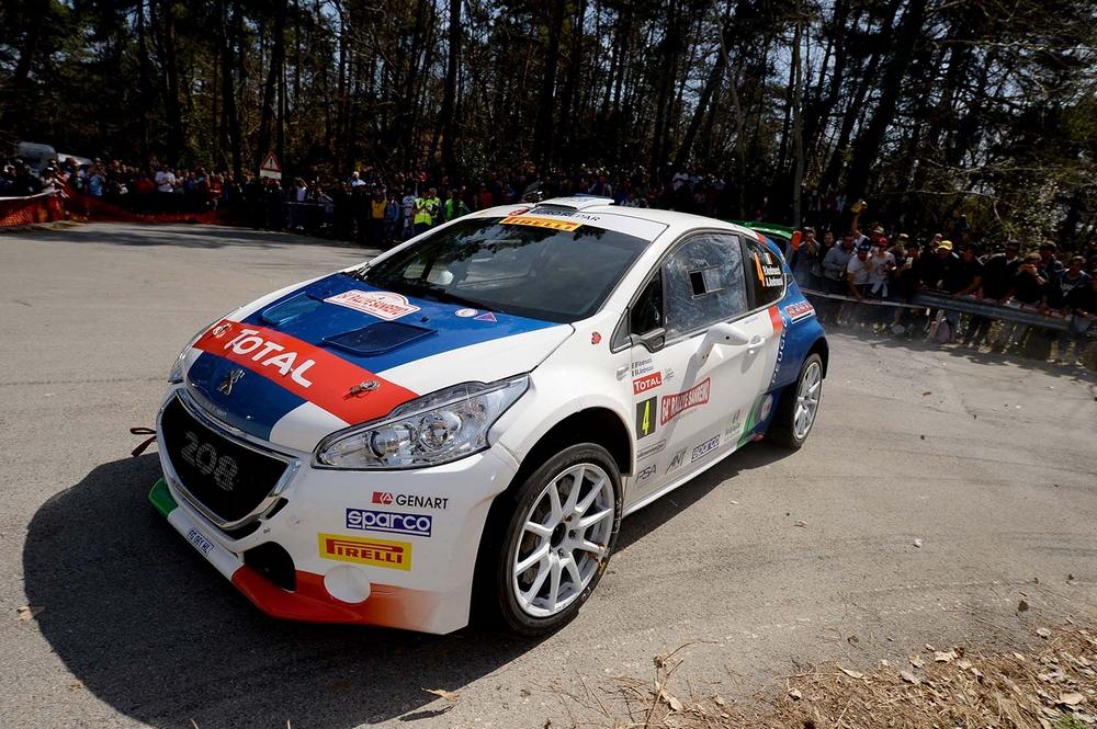 Hayden Paddon su Hyundai i20 R5 protagonista della prima giornata del Rally Sanremo