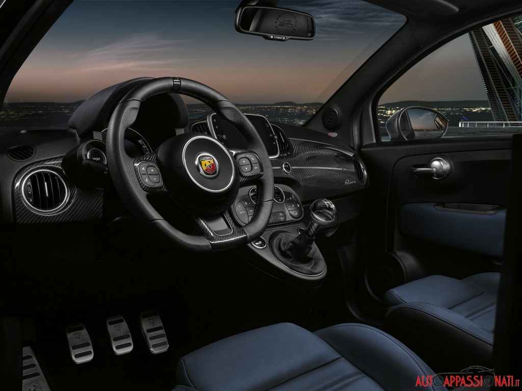 Interni Abarth 695 Rivale