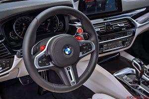 Nuova BMW M5 interni