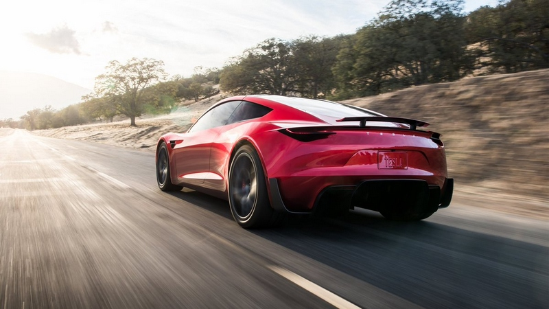 Tesla rivela il nuovo modello di Roadster