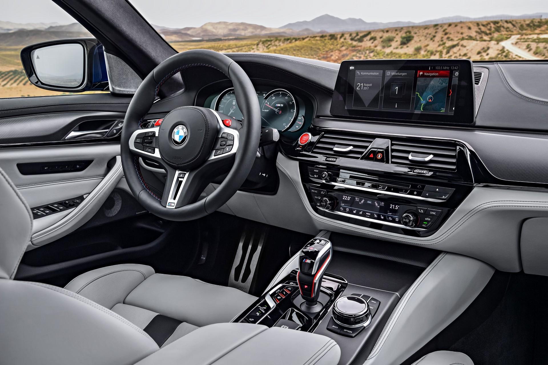 BMW M5 interni
