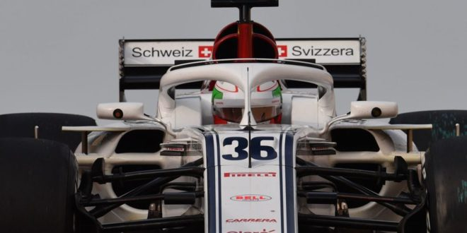 Antonio Giovinazzi Alfa Romeo Test