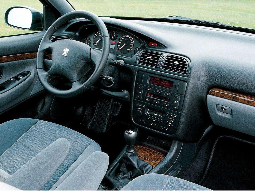 Interni Peugeot 406