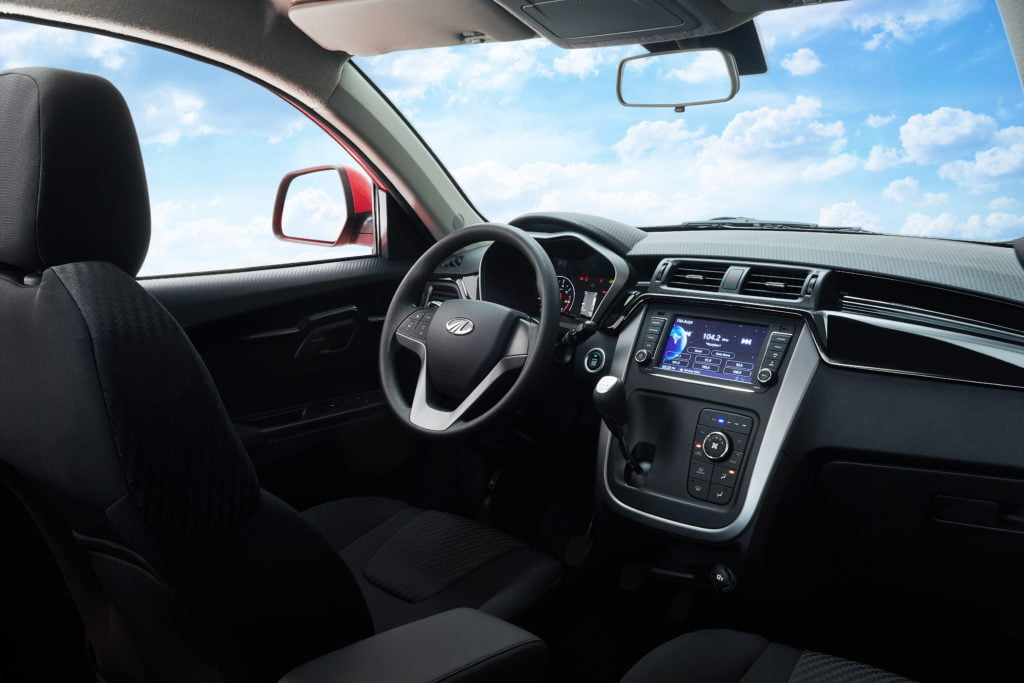 Mahindra KUV100 2019 interni