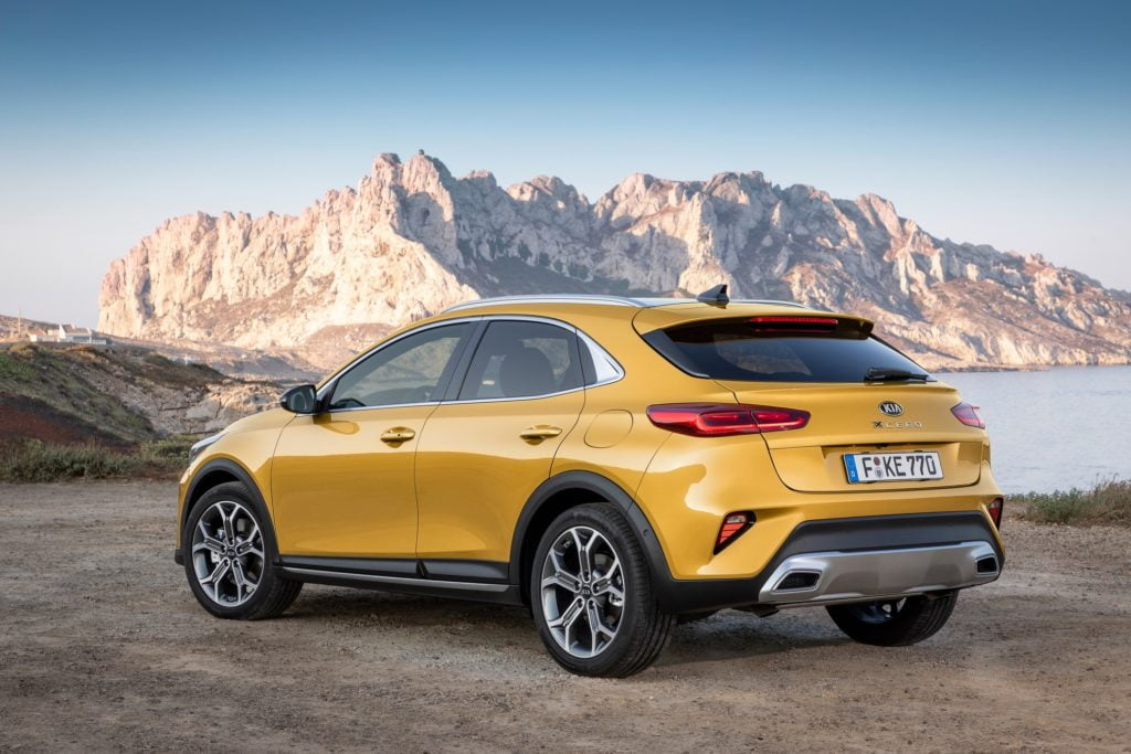 kia xceed posteriore quantum yellow