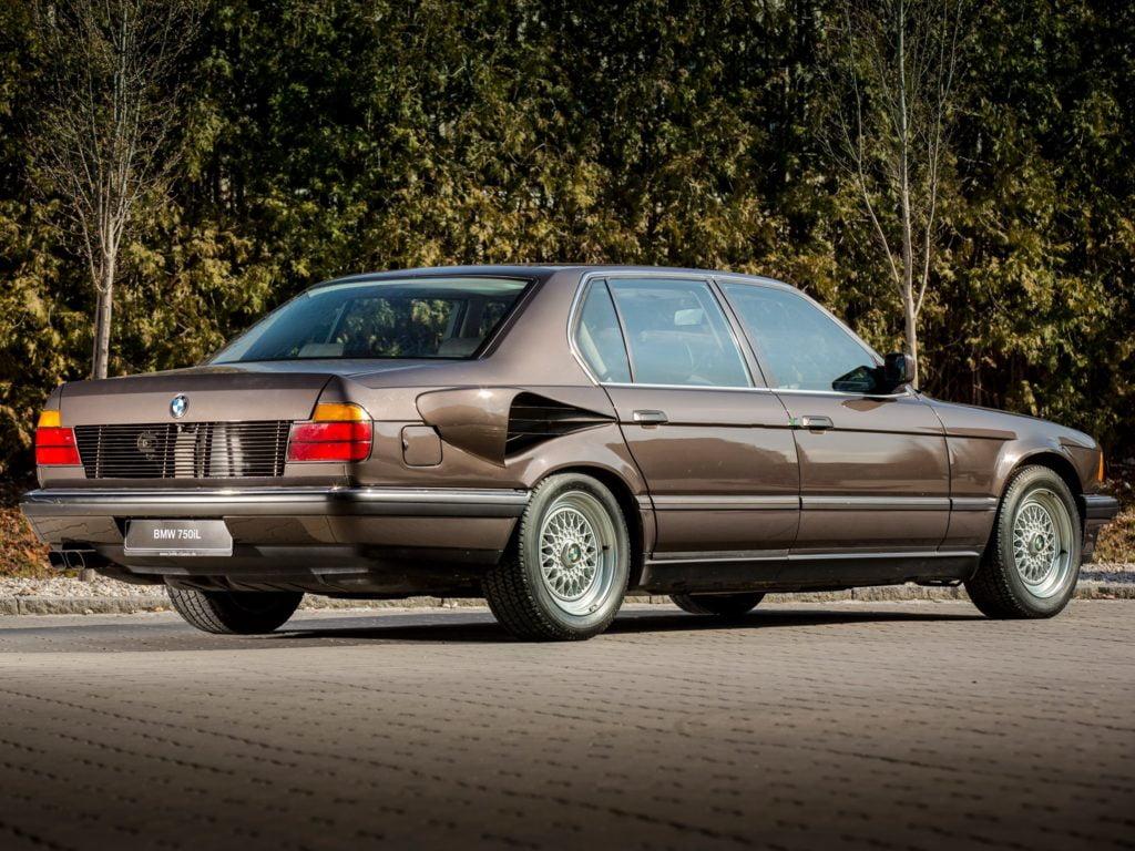 BMW Serie 7 V16