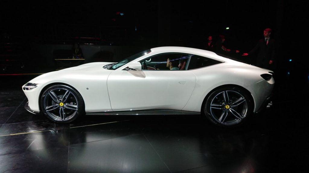 Ferrari Roma bianca LIVE