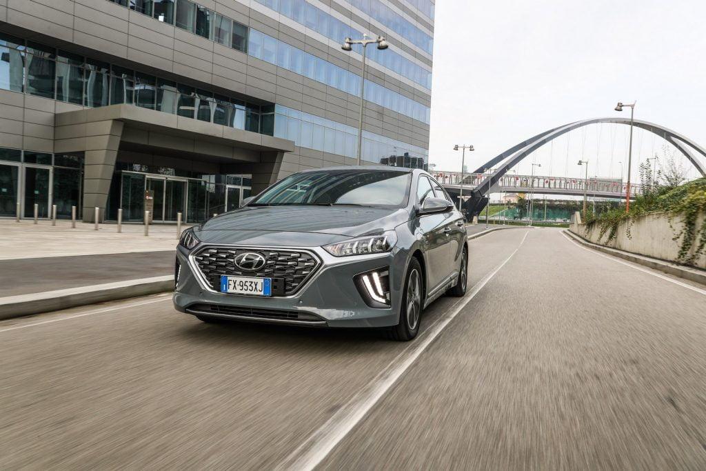 Hyundai Ioniq ibrida plug-in 2020