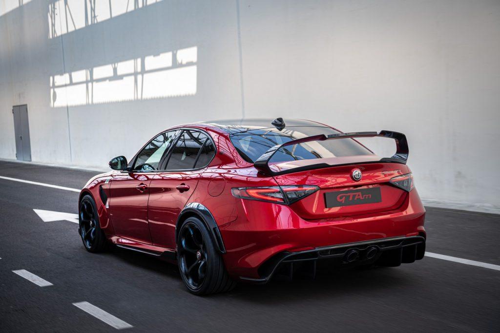 Alfa-Romeo-Giulia-GTAm-dinamica-posteriore