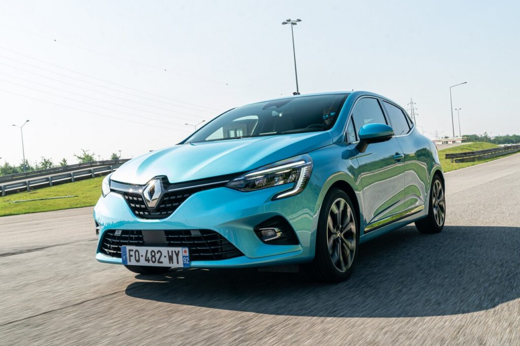 renault clio ibrida e-tech